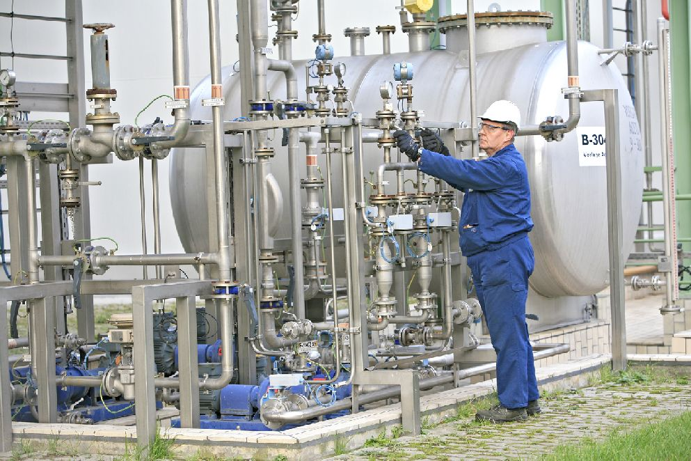 Non-pharmaceutical chemicals, trade finance, stock finance, chemicals finance, finance for importing chemicals, UK trade finance