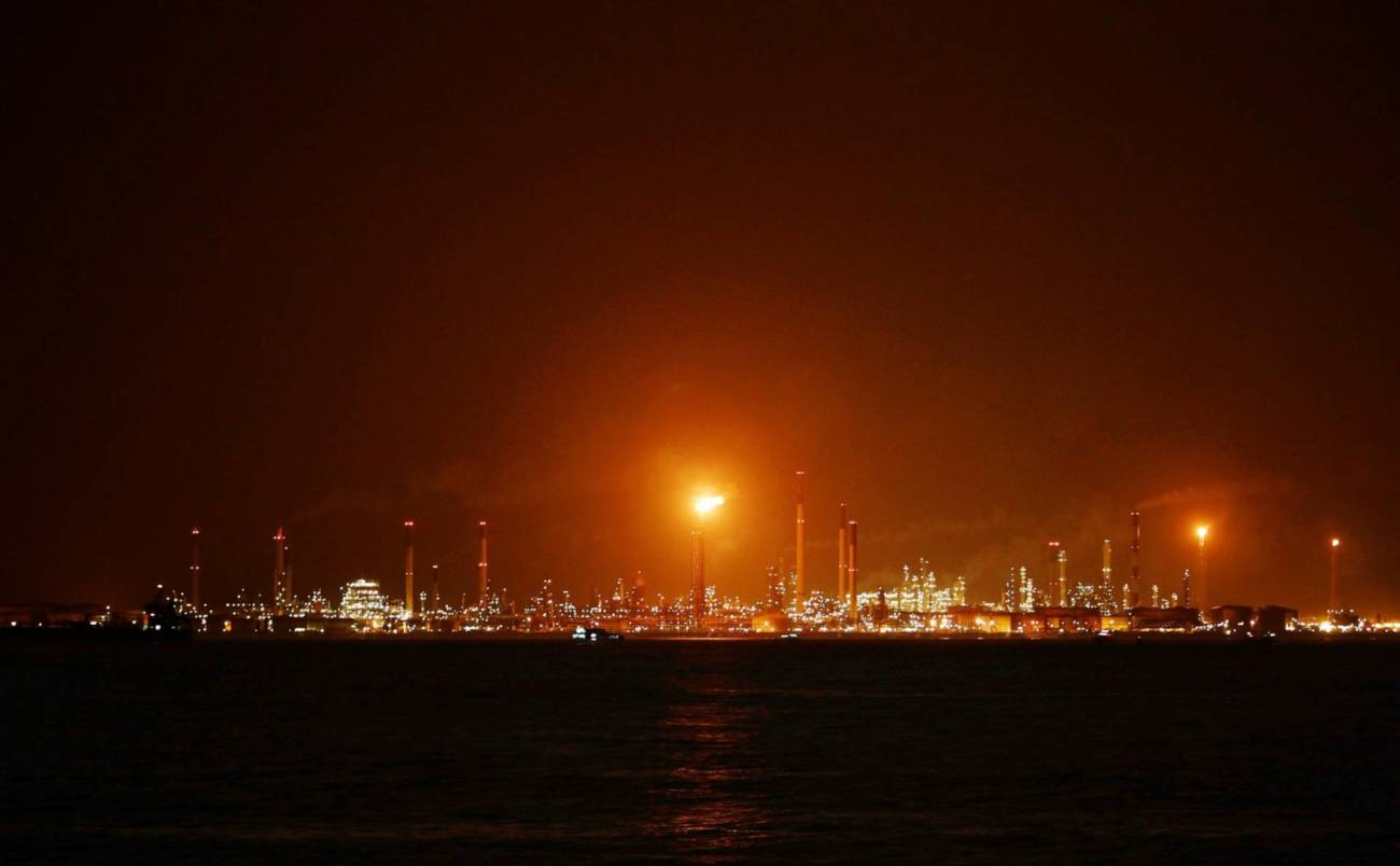 Singapore uncovers substantial oil theft at Shell's most prised refinery